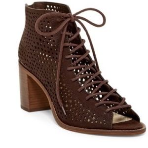 Vince Camuto Tulina Lace-Up Bootie Size 8